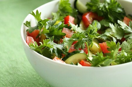 Заготовка салата из огурцов и помидор на зиму