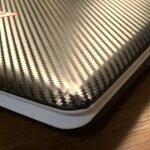 обклеиваем ноутбук виниловой пленкой